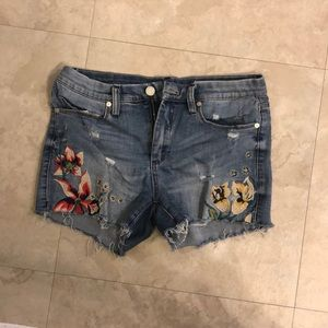 Blank NYC embroidered jean shorts
